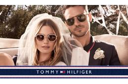 00f972f1156e3 Os óculos de sol Tommy Hilfiger são super americanos e possuem o dom de  capturar o otimismo e a energia de quem os usa. O estilo descontraído dos óculos  de ...